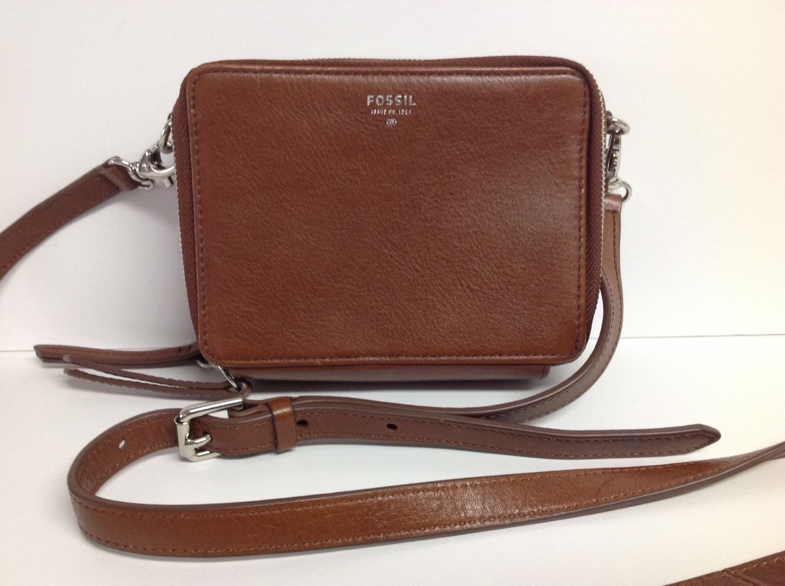 FOSSIL Issue Brown Leather Crossbody