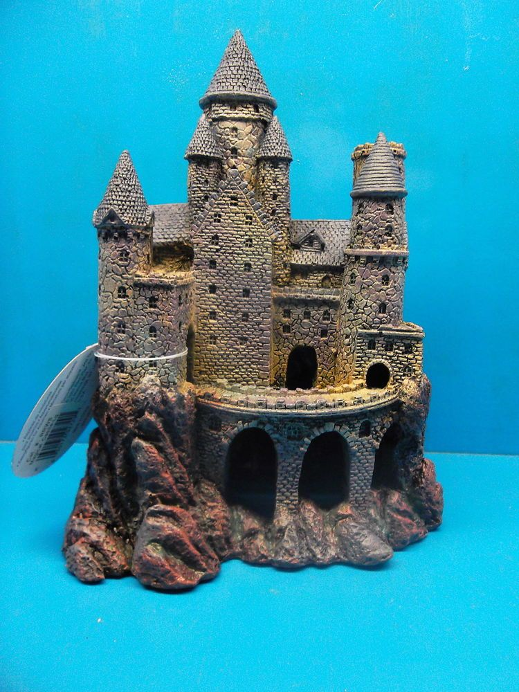 penn plax rrw8 large wizard 39 s castle aquarium decoration