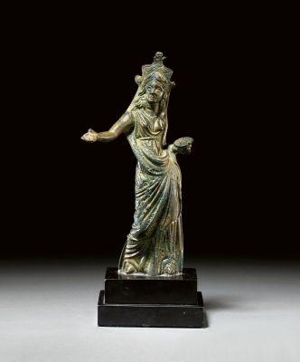 Priestess, c.2nd century BC (bronze)  Etruscan,found  at  the Sanctuary of Diana,Latium.