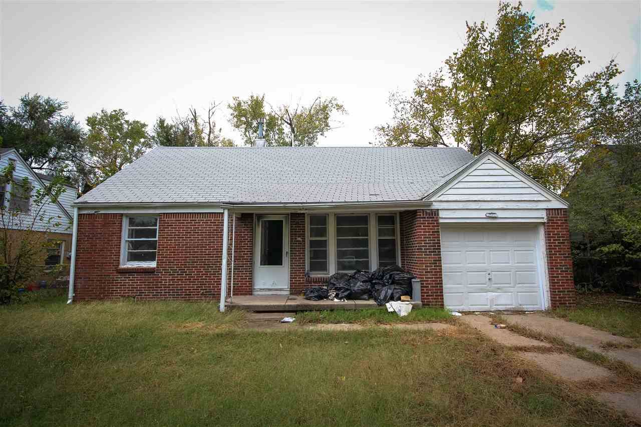 4134 E Regents Ln Wichita Ks 67208 30 000 Listing 527430 See Homes For Sale Information School Districts Wichita The Neighbourhood Outdoor Structures