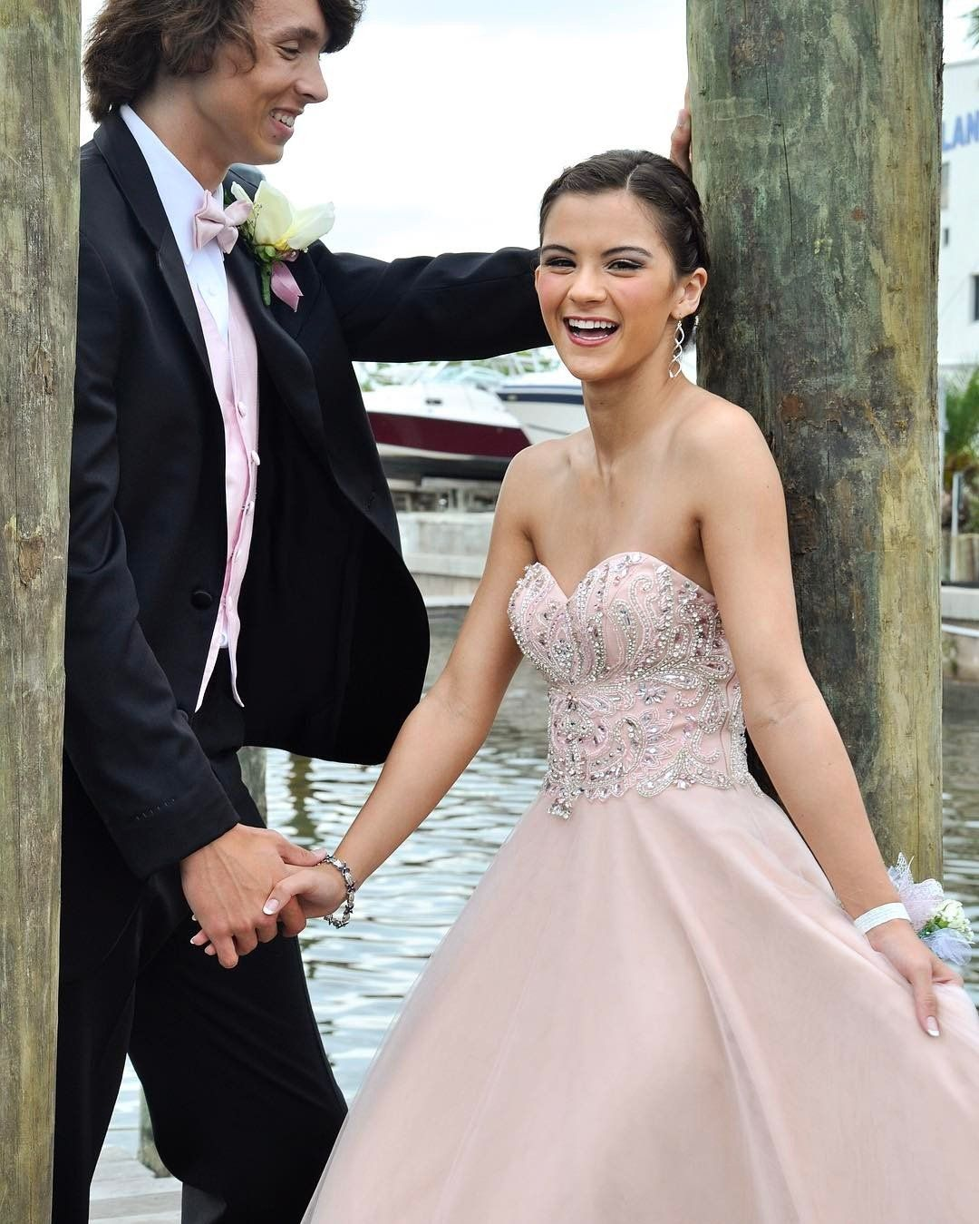 Your perfect prom dress at the perfect price find your headtotoe