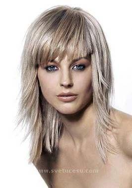4e400c17313b Účesy pro dlouhé vlasy - fotografie