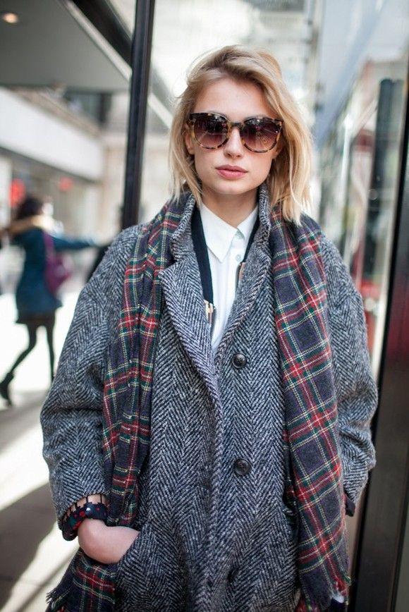 manteau boyfriend en tweed charpe cossaise chemise blanche le bon look boyish shopper. Black Bedroom Furniture Sets. Home Design Ideas