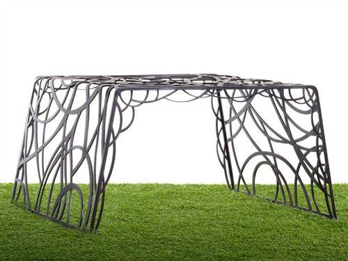 Garden Furniture Set Overrun Plants Radici Decastelli Celato 2 Jpg Gartenmobel Sets Im Freien Garten