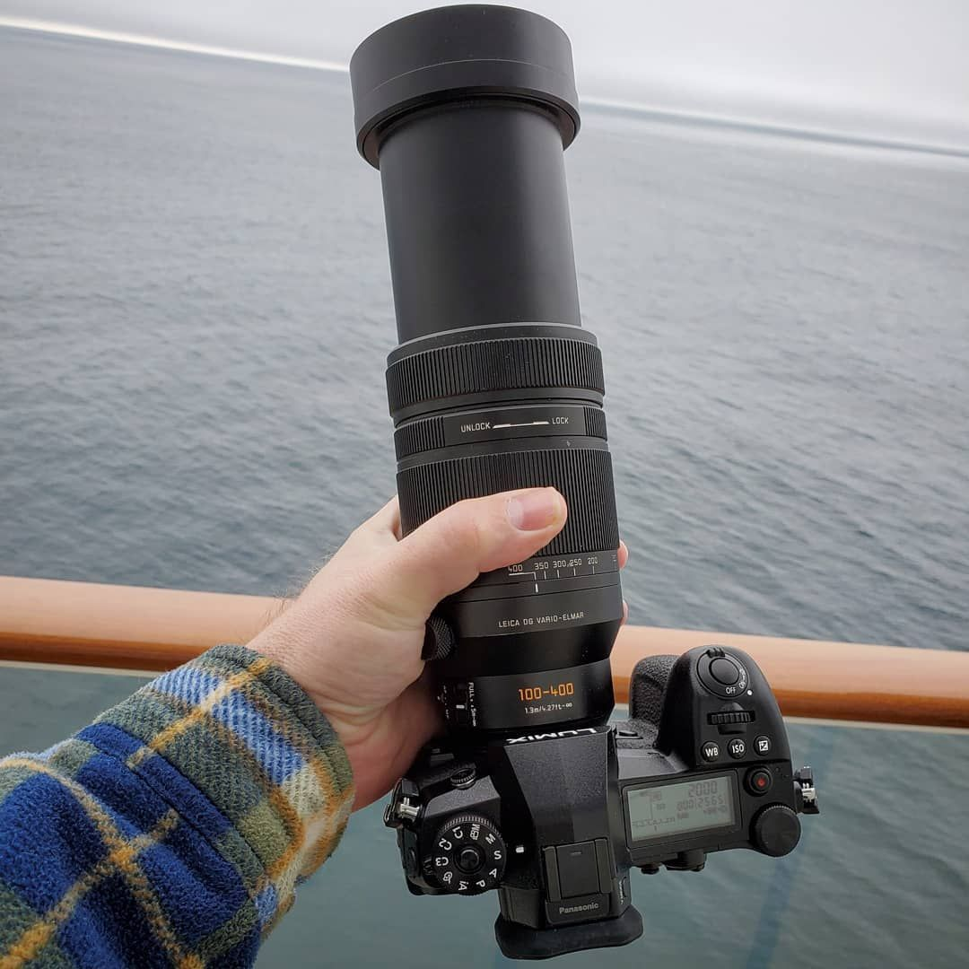 Panasonic Lumix G9 with Leica 100400mm fully extended to