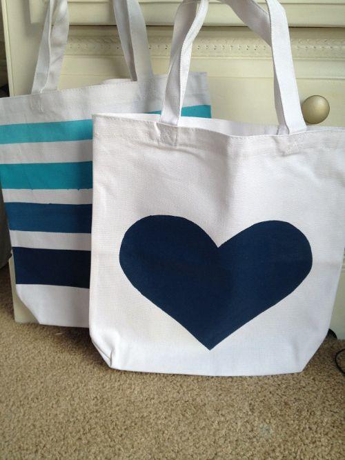 Bolso pintado a mano hecho en casa pinterest diy diy painting y painted bags - Bolsos de tela hechos en casa ...