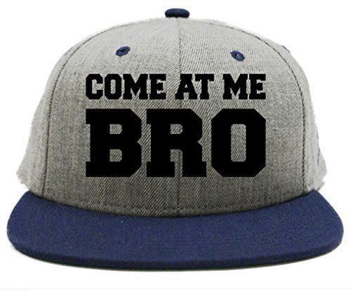 la gorra de béisbol es muy informal. El gorra también es azul 5d65d94330e