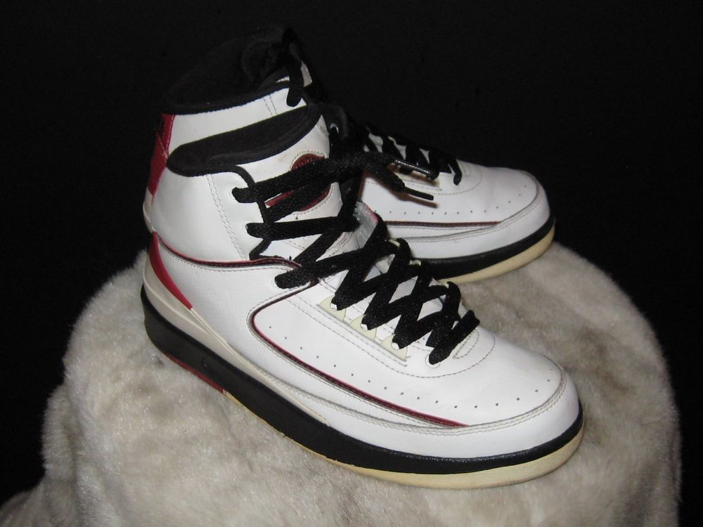 big sale 80519 d4bec Boys Nike Air Jordan 2 II Retro GS Sz 6.5Y White/Varsity Red ...