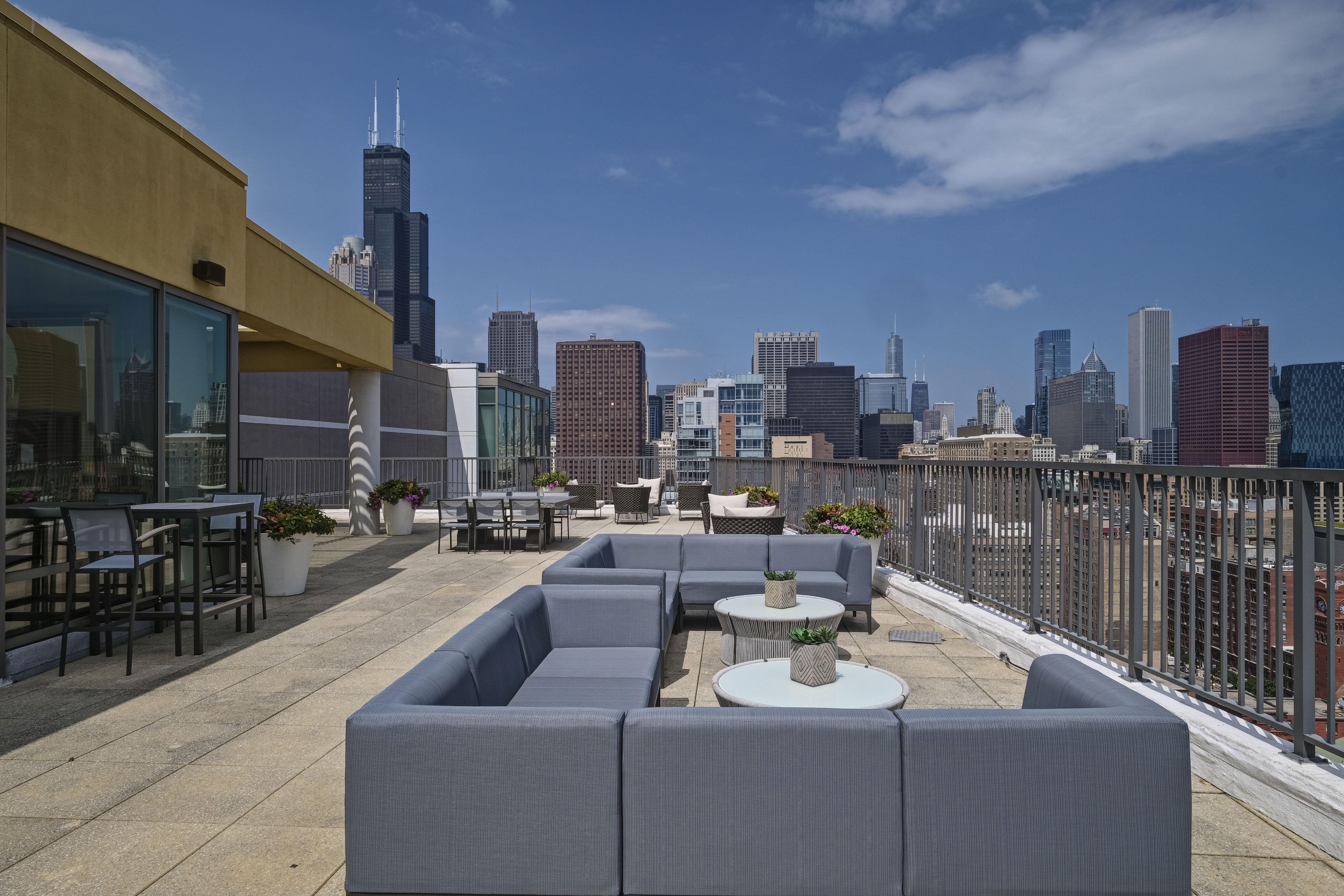 Our South Loop apartments in Chicago have a rooftop deck