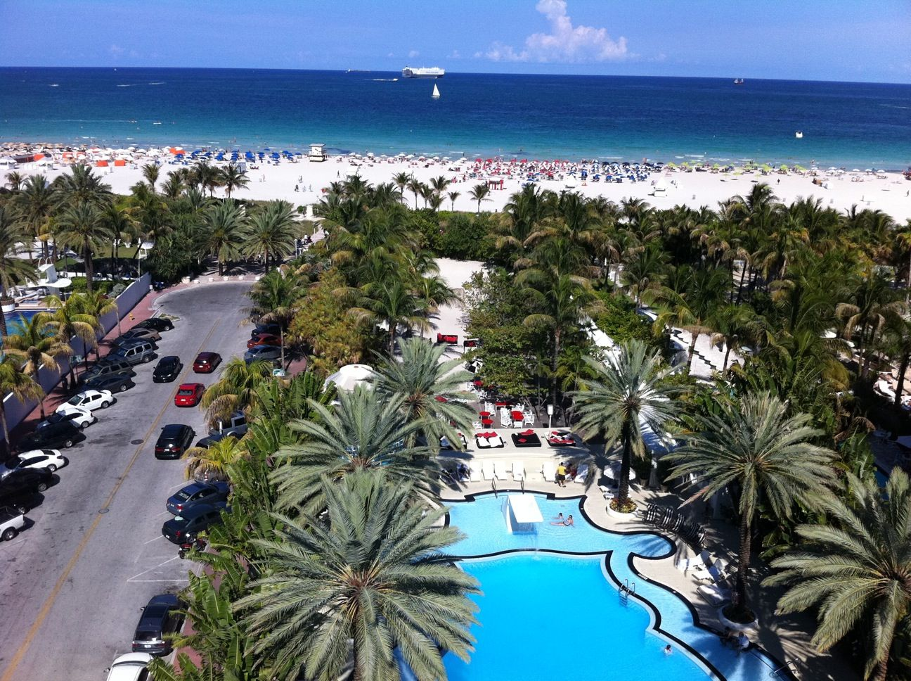 miami penthouse view from the raleigh hotel miami. Black Bedroom Furniture Sets. Home Design Ideas
