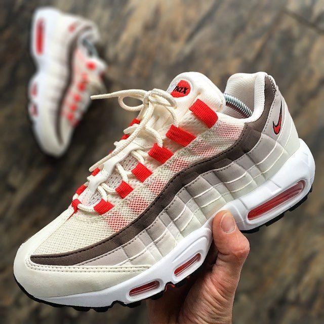 sports shoes 88df7 9075e Women Shoes in 2019   ♥ 80 s FASHION   Air max 95 pink, Air max 95, Cheap nike  air max