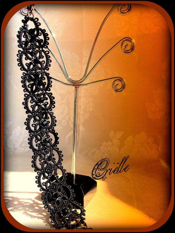 Gothic black lace bracelet  in tatting Fedra