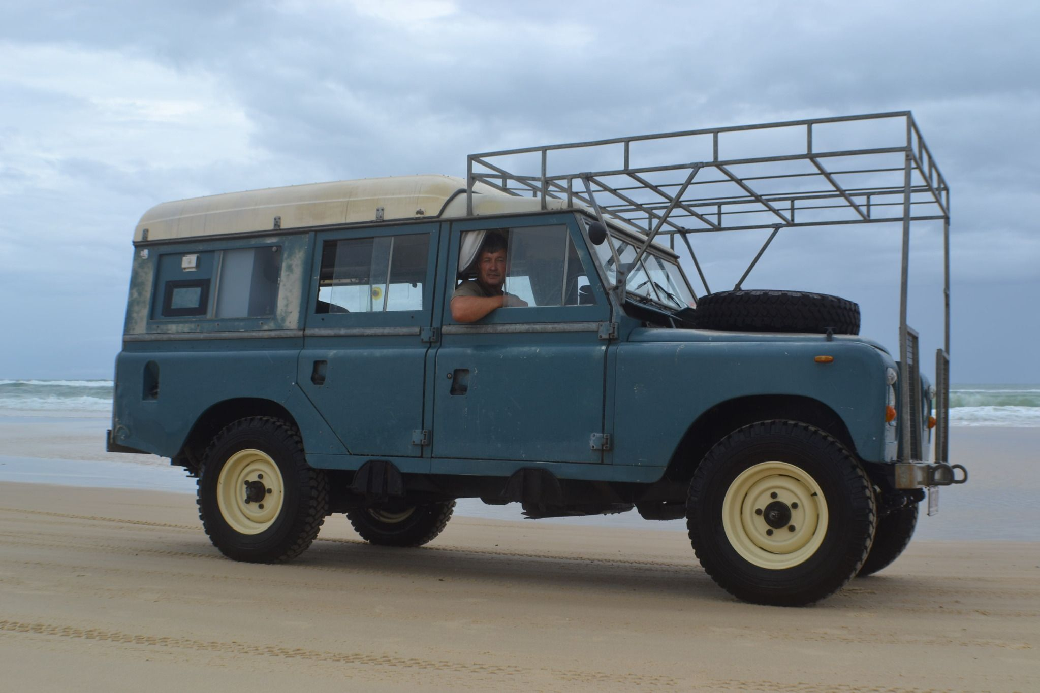 Land Rover Defender With Pop Up Roof And Over Hood Rack Land Rover Series Land Rover Defender Land Rover
