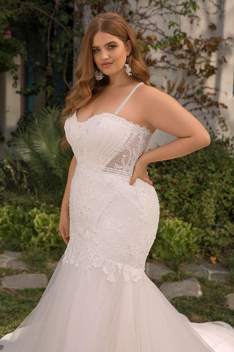 Pin by Paula's Vision 4U on Plus Size Wedding Gowns in