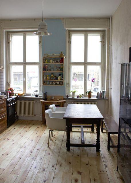 Küche mit einer Essecke im Vintage-Stil. #Küche #kitchen #Vintage ...