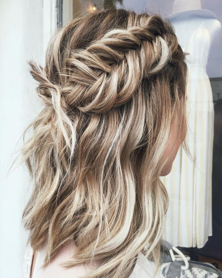 Chunky Dutch Fishtail Braided Hairstyle For Short Hair Fishtail Braid Hairstyles Braided Hairstyles Braids For Short Hair