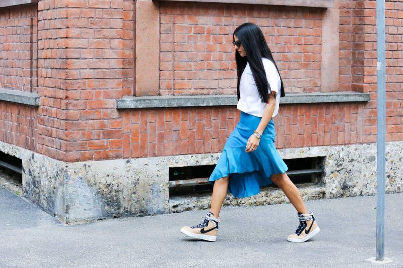 http://www.elle.com/fashion/street-chic/milan-fashion-week-street-style-photos-spring-2015?src=spr_FBPAGE