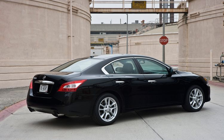 21 We Managed To Score A 2013 Nissan Maxima Black For The Road Trip