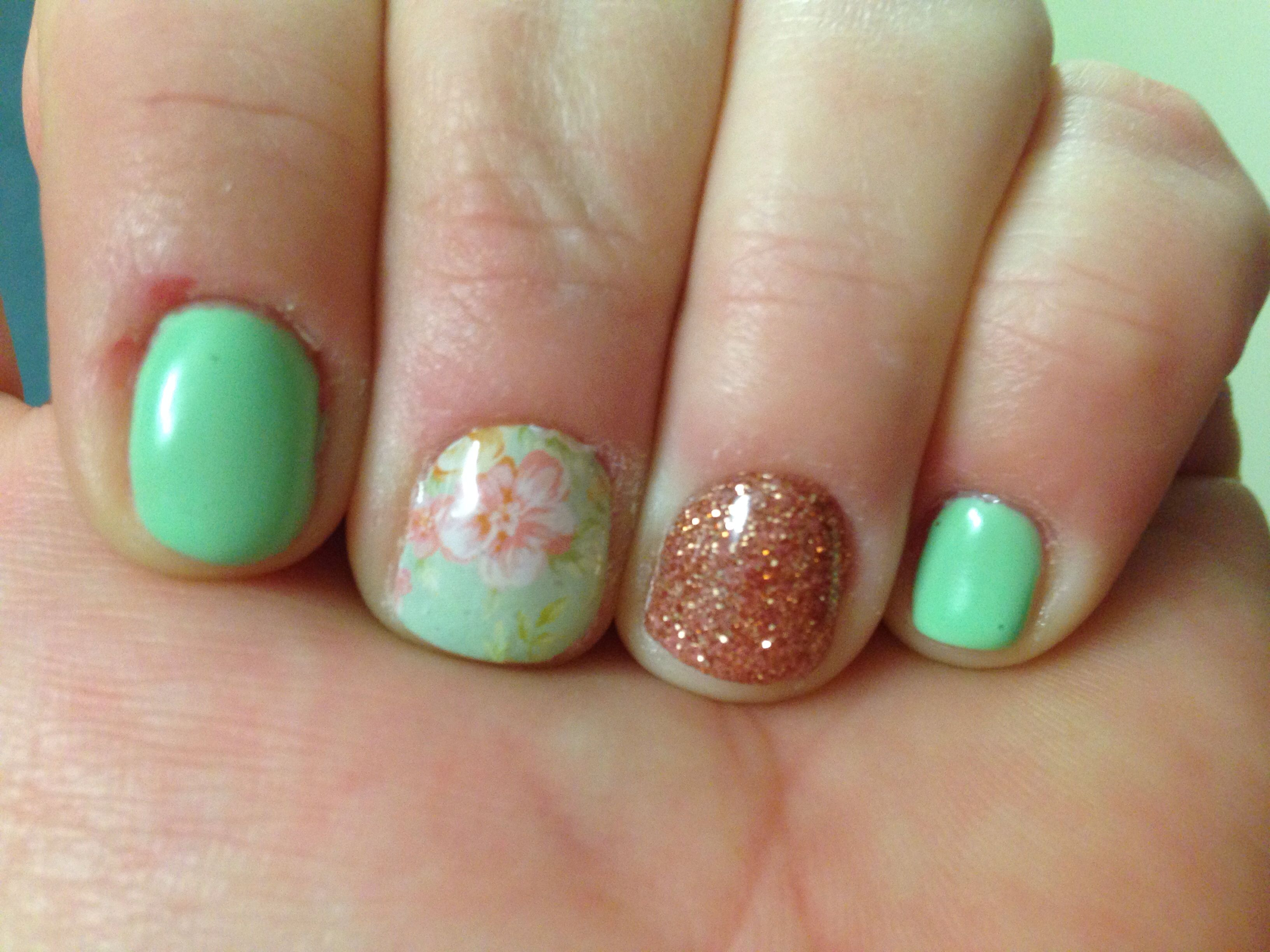 Mint green, rose gold, floral gel nails | Pretty nails | Pinterest