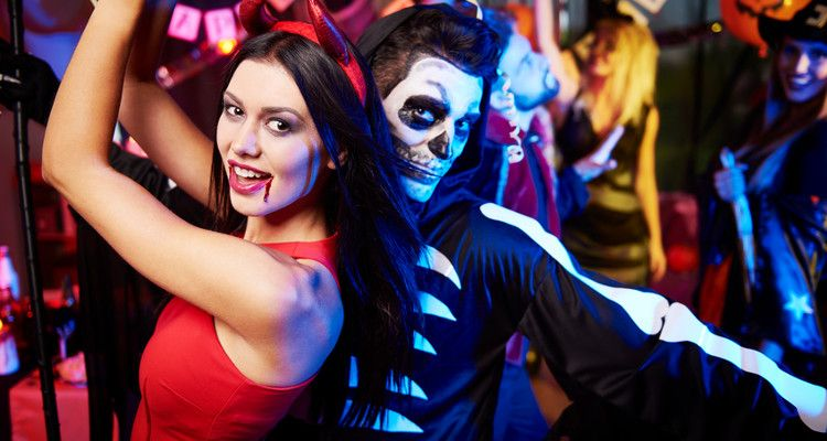 10 Halloween Costumes for Couples Brilliant Last-Minute Halloween - last minute halloween costume ideas for women