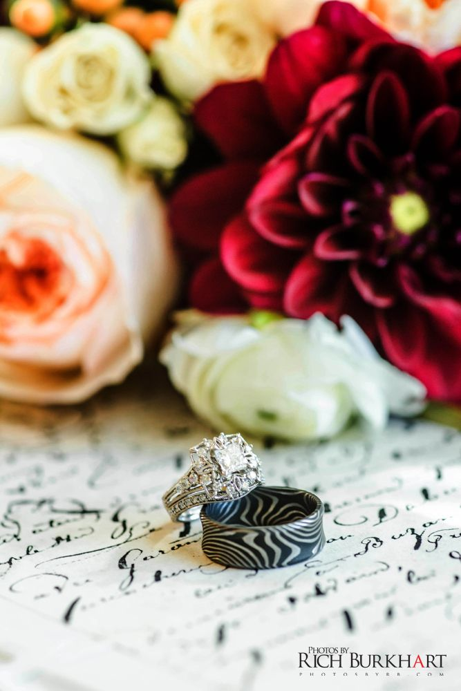 Nothing beats a cool wedding band! #weddingrings #ringshot #weddingphotography