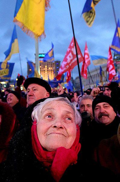 Ukrainians fighting for independence in Kiev