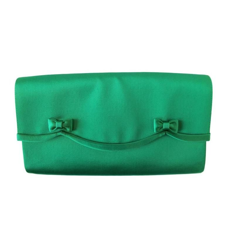 f49676f07c7 1950 s Gucci Kelly Green Satin Scallop Clutch