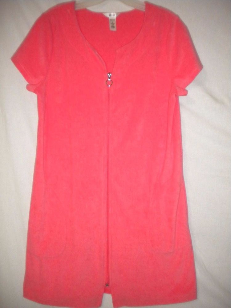 Adonna Size Small Coral Terry Cloth Short Sleeve Zip Front Womens Robe  Coverup  Adonna  Robe  Versatile 2860c7845