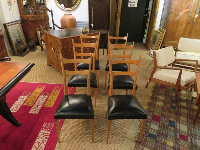 Six dining chairs in the MidCentury French style. 1,125
