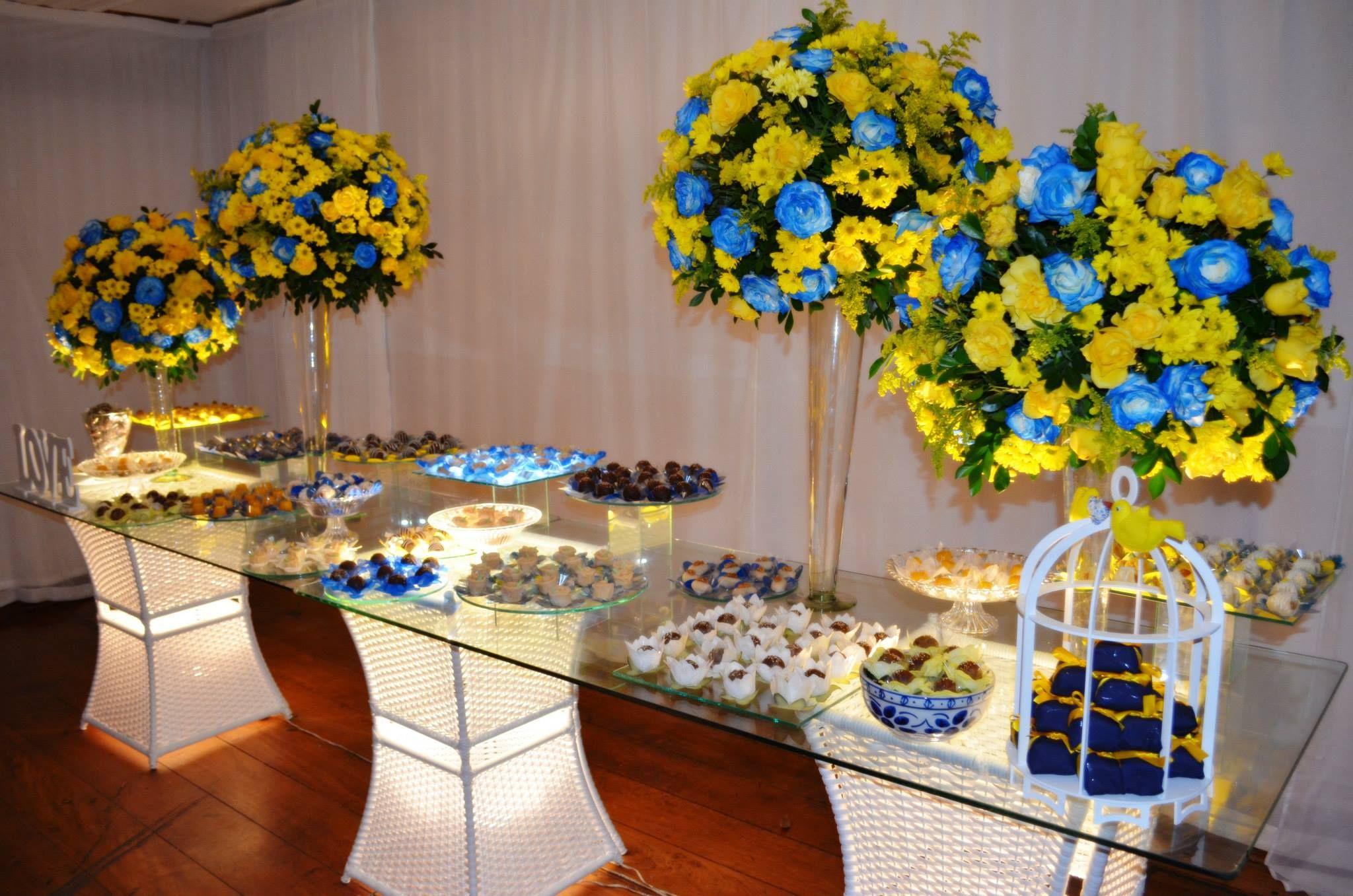 Azul e amarelo mesa decorada decora o pinterest - Mesa de navidad decorada ...
