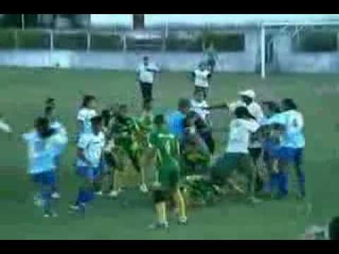 AUTHORITIES in Brazil have expressed surprise after a women's match erupted into violence.    The match between big rivals Cesmac and SoEsporte erupted into an all-out brawl which saw one player taken to hospital and fighting continuing outside the ground.Briga no Futebol Feminino de Alagoas Cesmac vs Sóesporte [HQ]