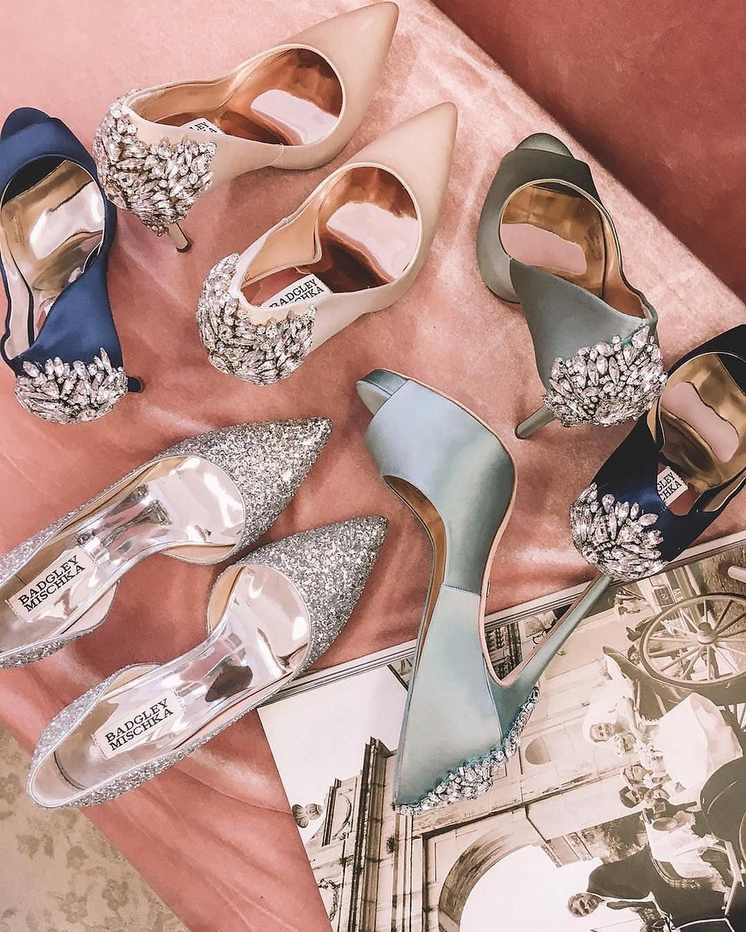 Watch The Best Youtube Videos Online الالوان سنابي تنسيق فستان تصميمي ارواج ميك اب سناب كيك مقطع حامل الس Me Too Shoes Fashion Shoes