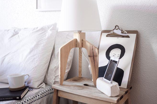 decoracion-mobiliario-madera-estilo-nordico-decapado-blanco-pipolart-pipol-art-soporte-lampara-general