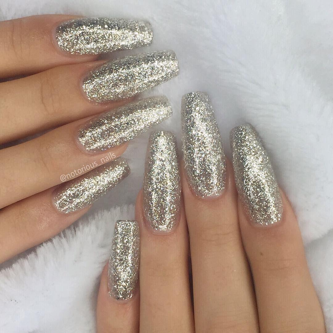 Silver Prom Nails: Gefällt 15.9 Tsd. Mal, 121 Kommentare