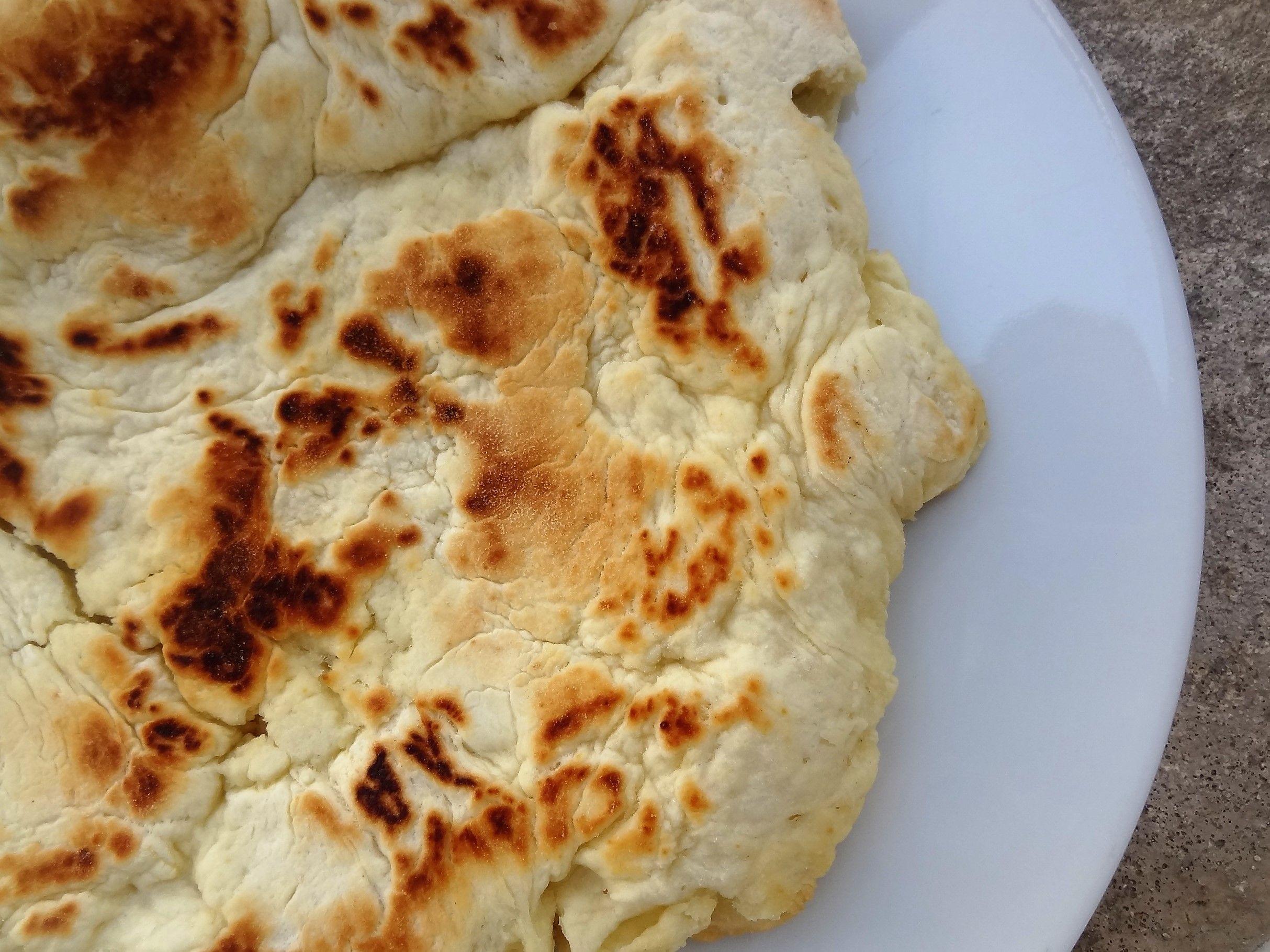 Ici la recette ultra simple d'un pain frit réalisé par les Indiens d'Amérique du nord : le pain banique. Un petit régal à déguster chaud en accompagnement.
