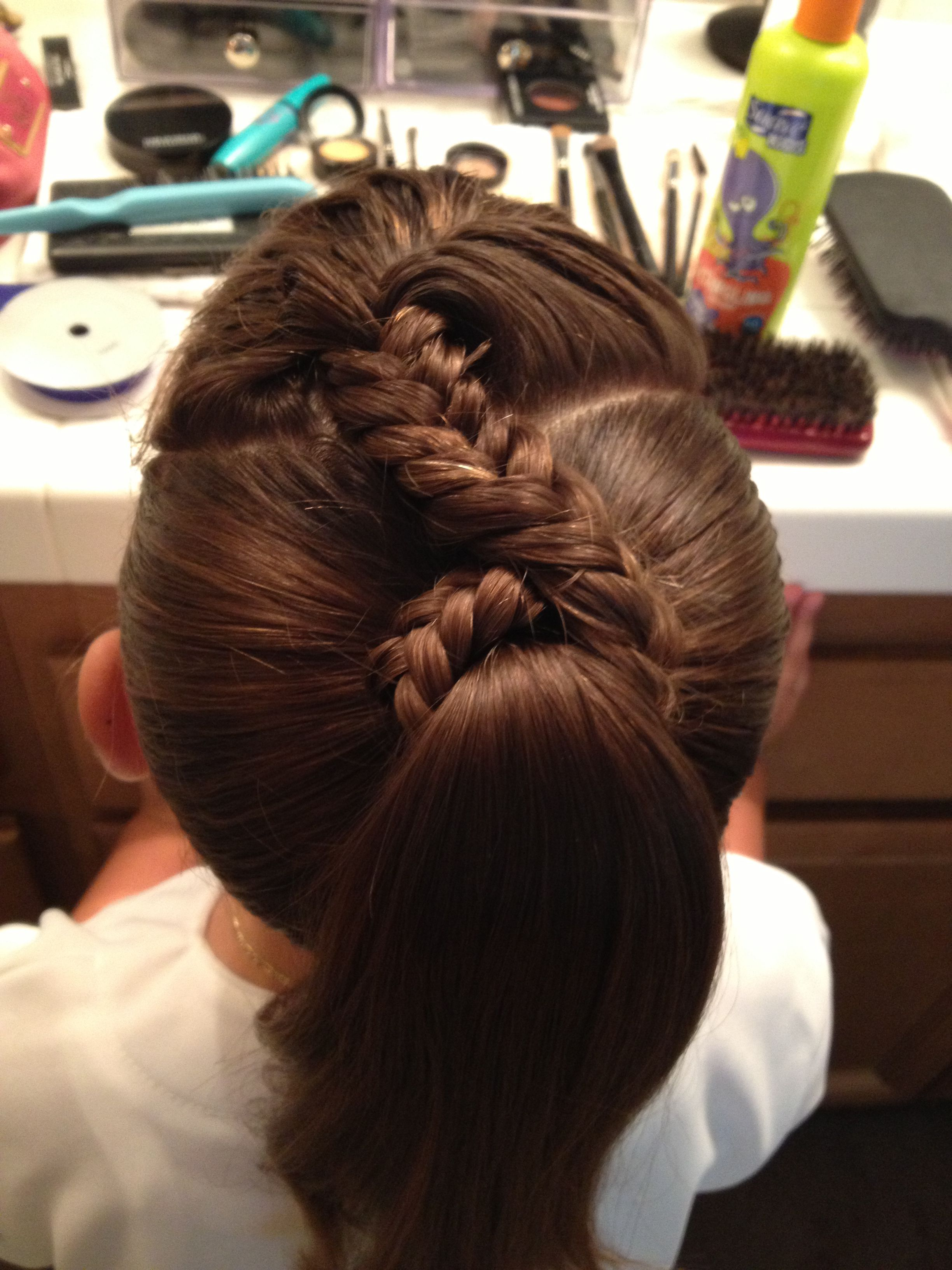 Fish tail braid pony