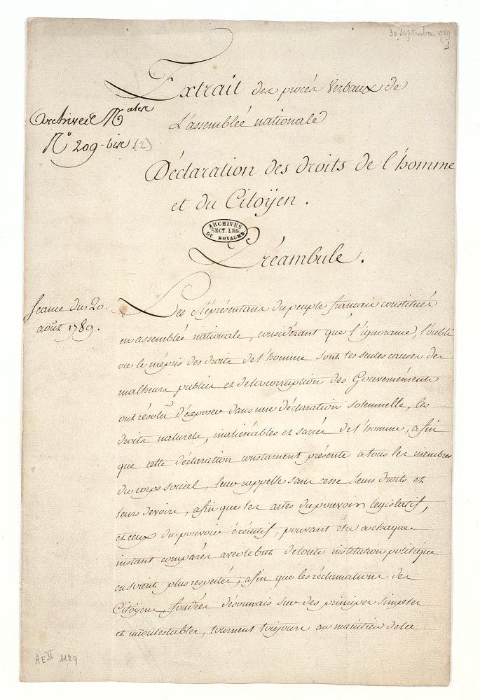 Exposition De La Declaration Des Droits De L Homme Et Du Citoyen Dans Le Hall D Accuei Droits De L Homme Revolution Francaise Declaration Des Droits De L Homme
