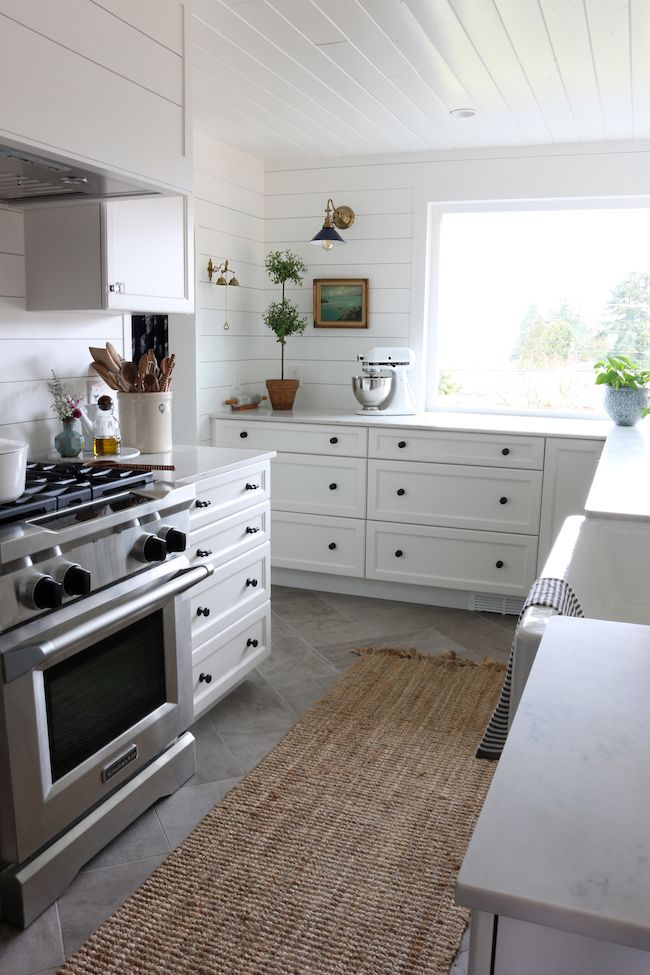 How To Mix Amp Match Kitchen Hardware Finishes Amp Styles