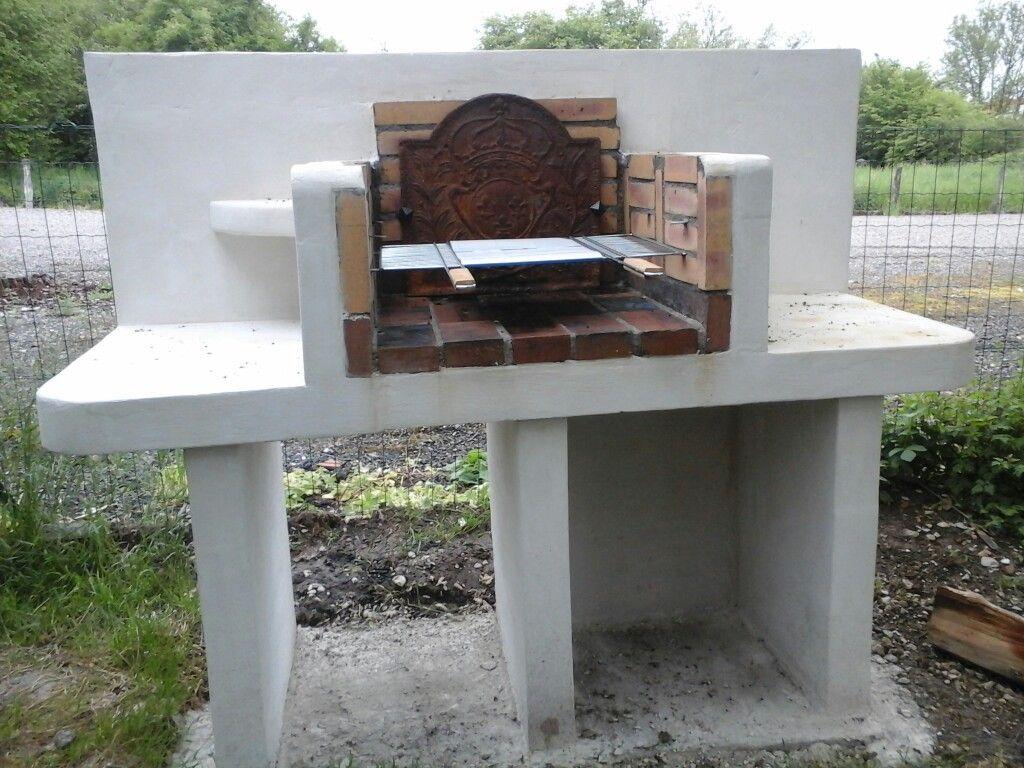 maison en siporex barbecue en brique fait maison fashion. Black Bedroom Furniture Sets. Home Design Ideas
