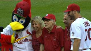 DET@STL: 106-year-old fan throws first pitch... 05-15-15