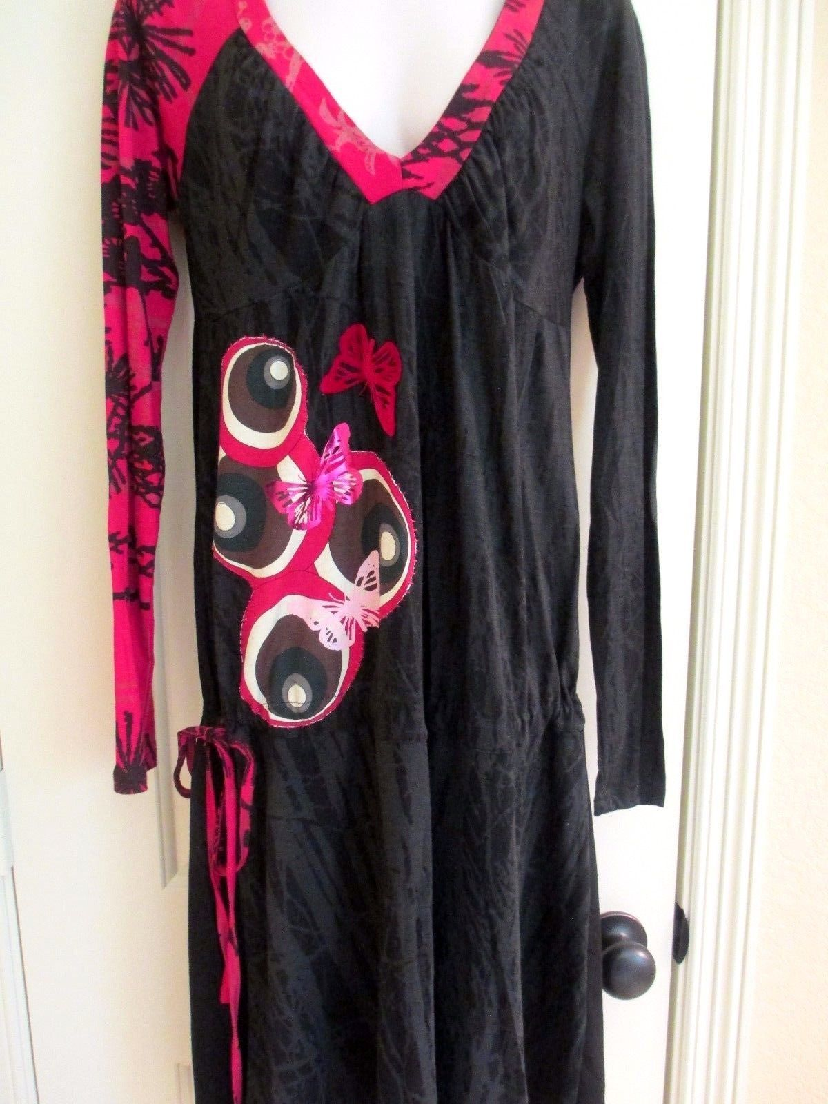 Nice awesome nwt desigual long sleeve red black butterfly v neck