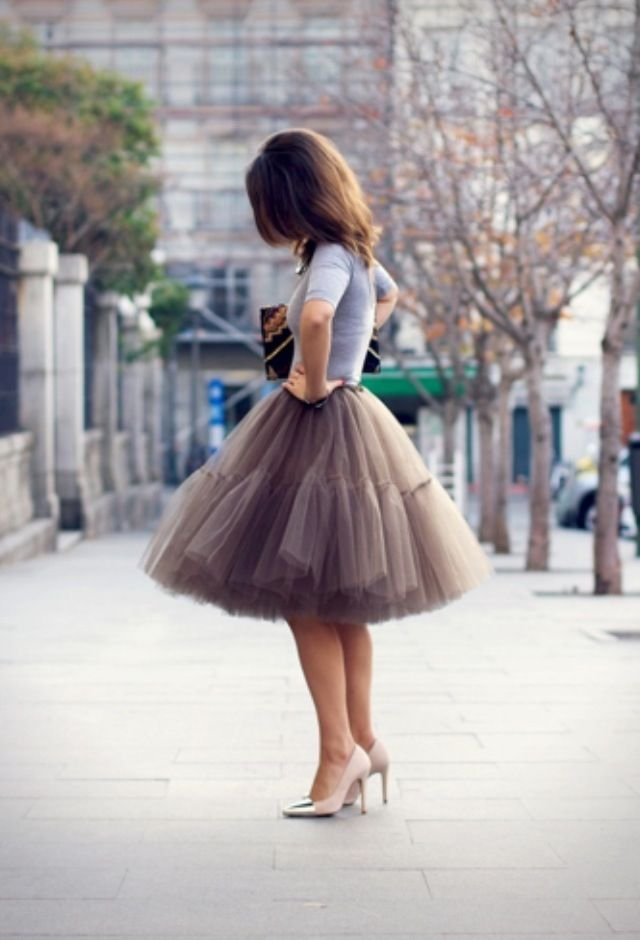 I Love this look!  So girly..sex in the city look! I want to wear a tutu one day!!