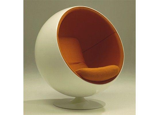 Ball chair eero aamio 60s industrial graphic design for Quiero estudiar interiorismo