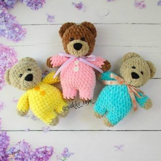 Crochet teddy bear in pajamas pattern | Amiguroom Toys