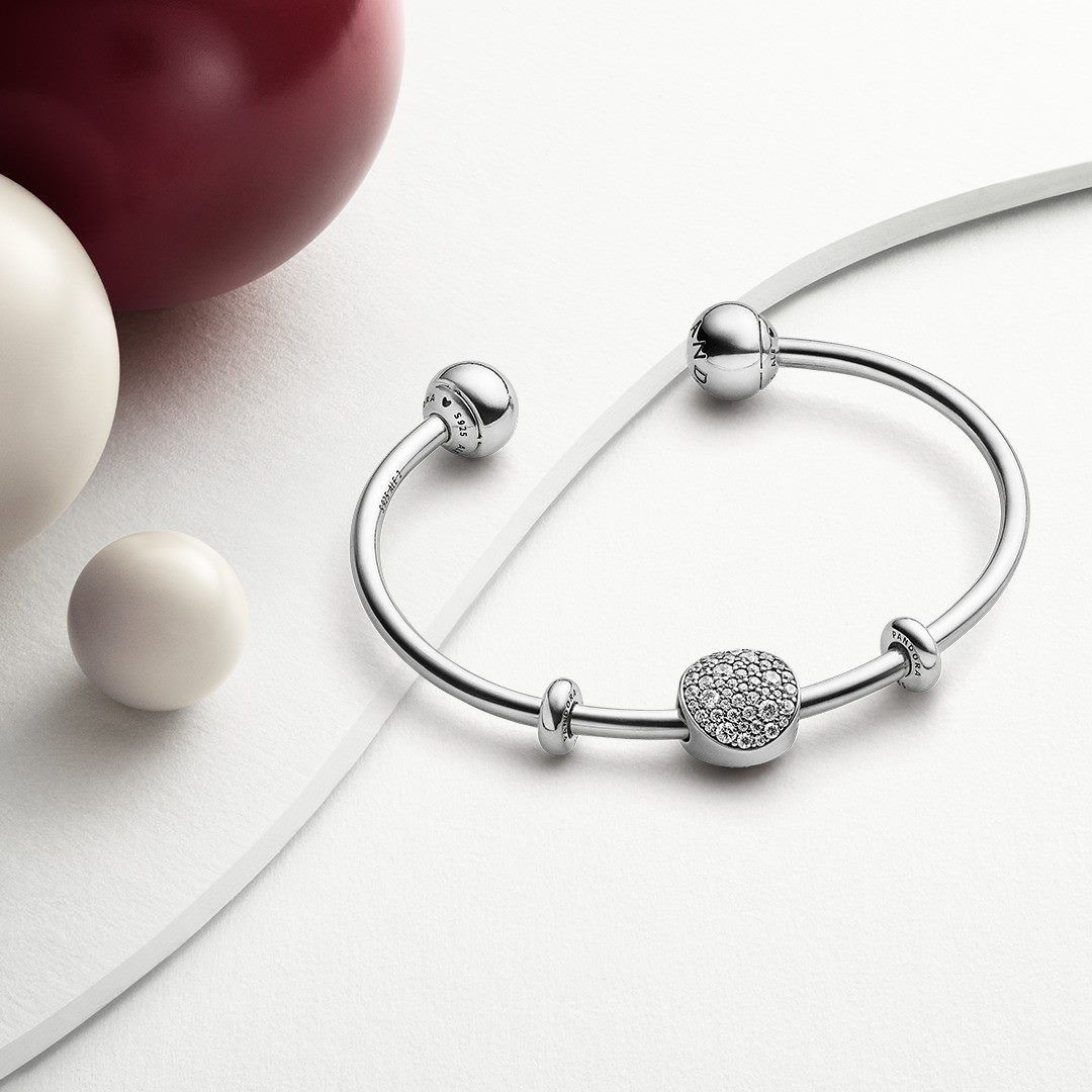 Add A Little Sparkle To The Season With Sterling Silver Statements From Pandora Pandorawestland Pandora Pandora Bracelet Pandora Alex And Ani Charm Bracelet