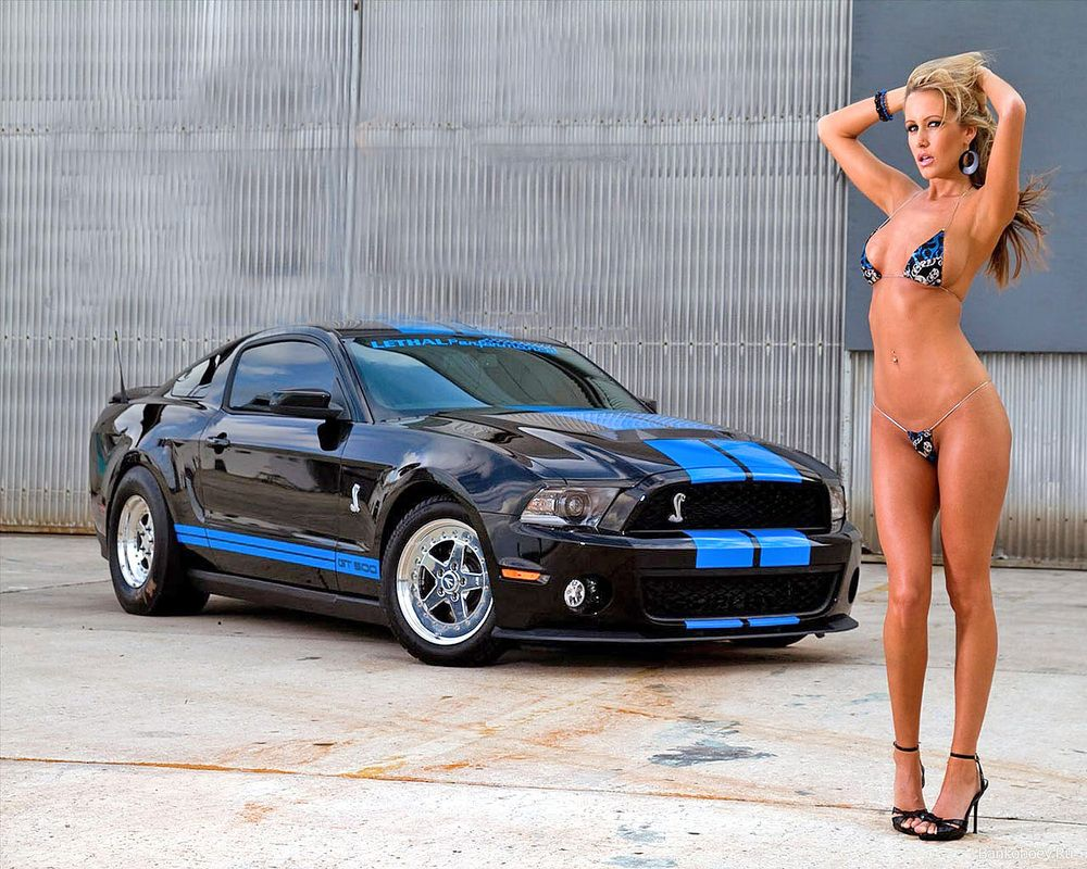 free-nude-girls-with-mustang-cars