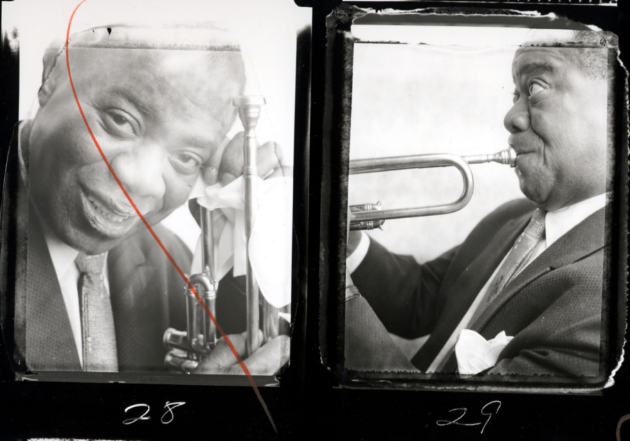 item2.rendition.slideshowWideHorizontal.ss03-louis-armstrong-bert-stern-photography.png (910×637)