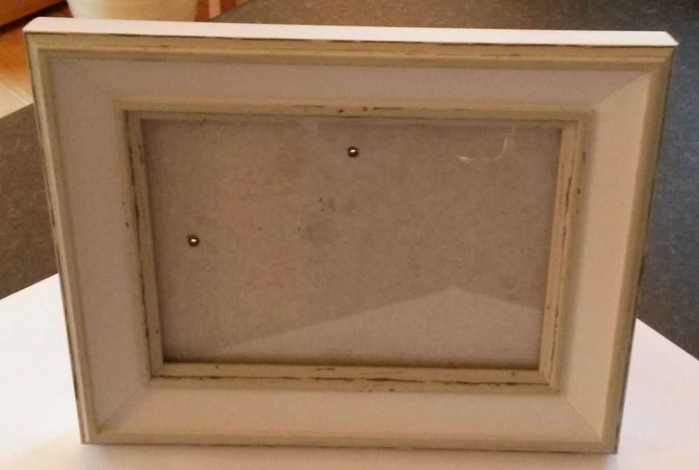 Distressed Painted Wood Picture Frame - with Glass - takes 7\
