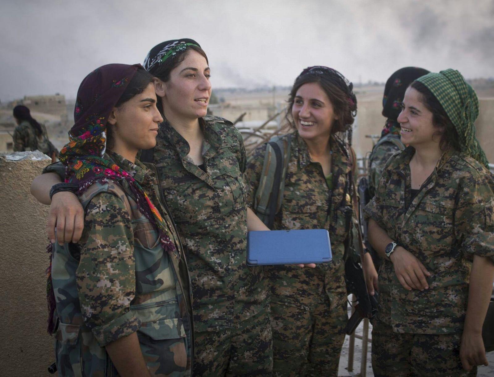 Kurdistan Warriors Female Fighter Female Soldier Kurdistan