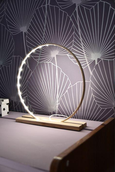Tuto : Fabriquez un lampe décorative LED tendance avec un cercle de broderie #bricolagefacile